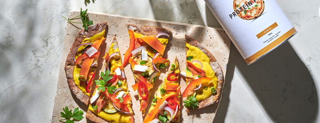 Protein Flammkuchen with mango-curry spread